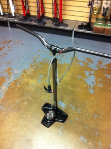 blackburn airtower shop pump carbon bar