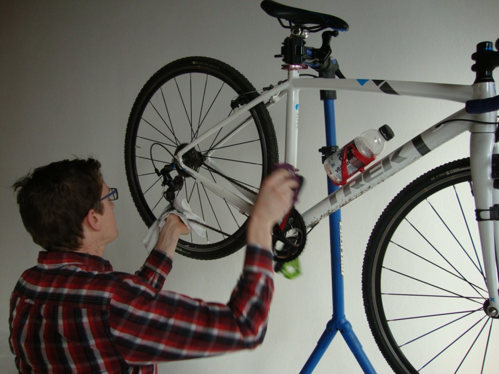 Wiping off as much excess grime as possible is important when lubing your bicycle