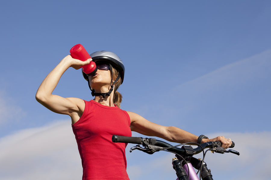 tips to keep hydrated while riding your bike